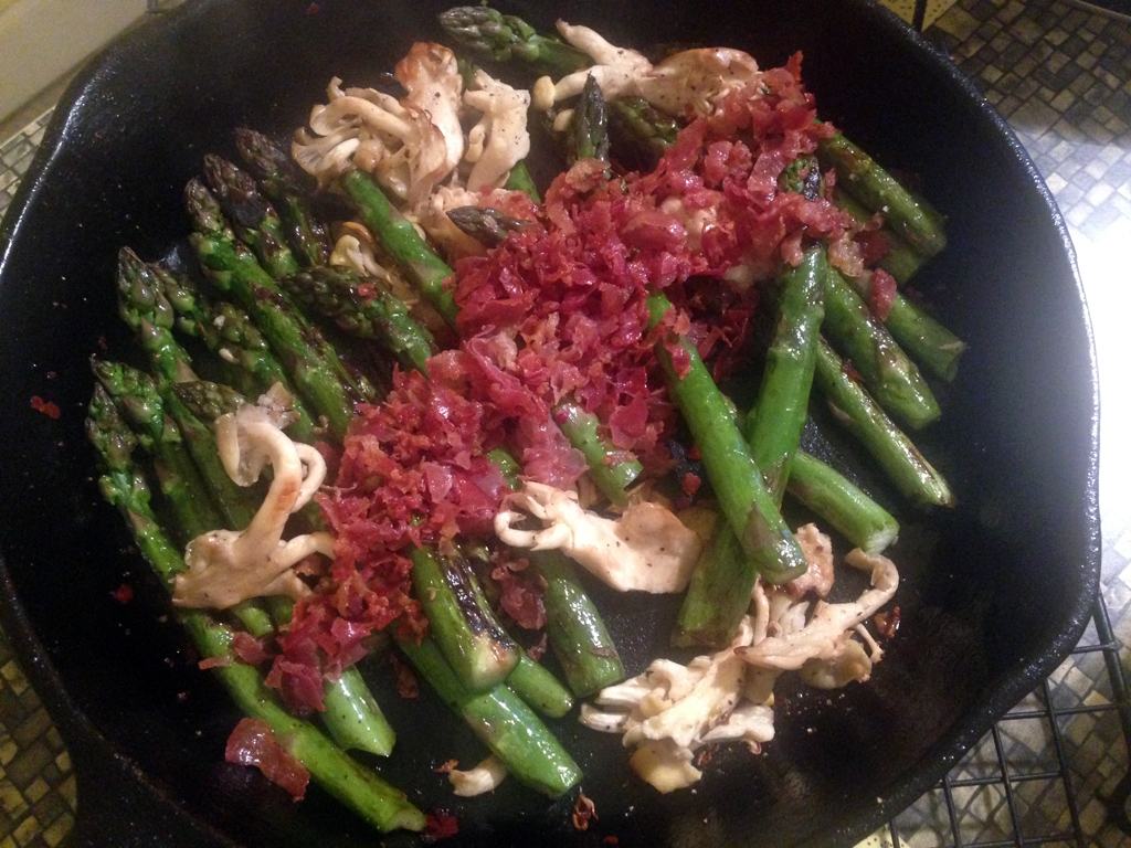 roasted asparagus and mushrooms with crumbled proscuitto